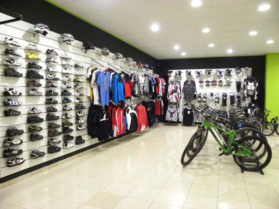 Interior Bike Addiction Expositor Ropa